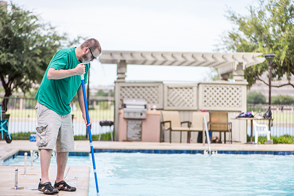 How to Detect Structural Damage in Public Pools